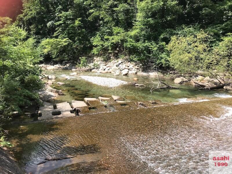 湯檜曽川堰堤下