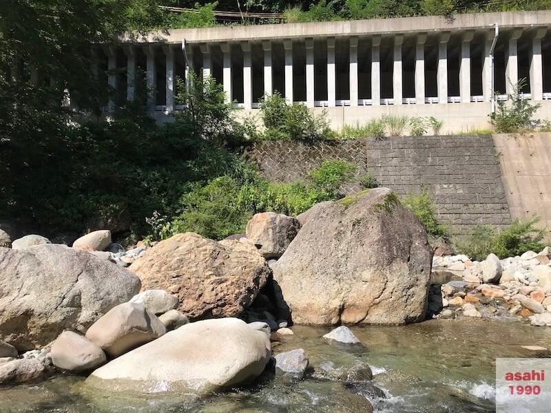 湯檜曽川退渓点